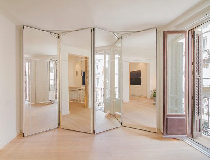 Tabiques móviles acabados en espejo, el nuevo lujo en decoración